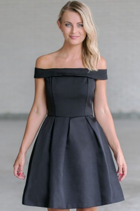 Vintage Elegance Off-Shoulder Dress in Black